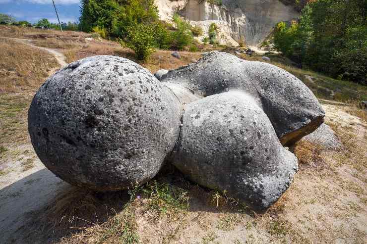 Trovants rocas vivas