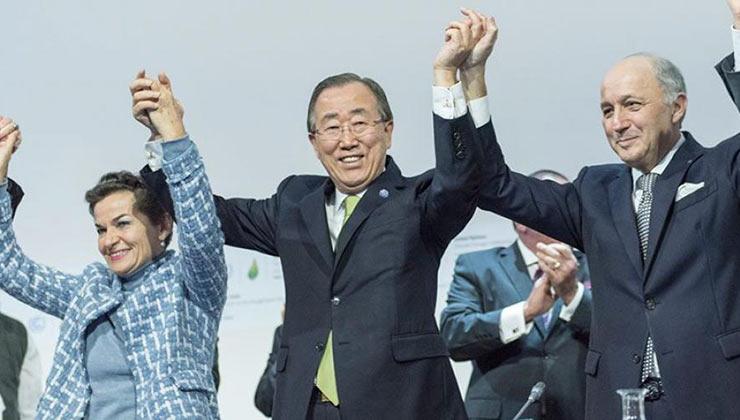 Ban Ki-moon, ex secretario general de la ONU, celebra la firma del Acuerdo de París (Foto un.org)