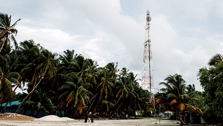 El acceso a comunicaciones móviles prácticamente alcanza a toda la población mundial (Foto de Maahid Photos - Pexels)