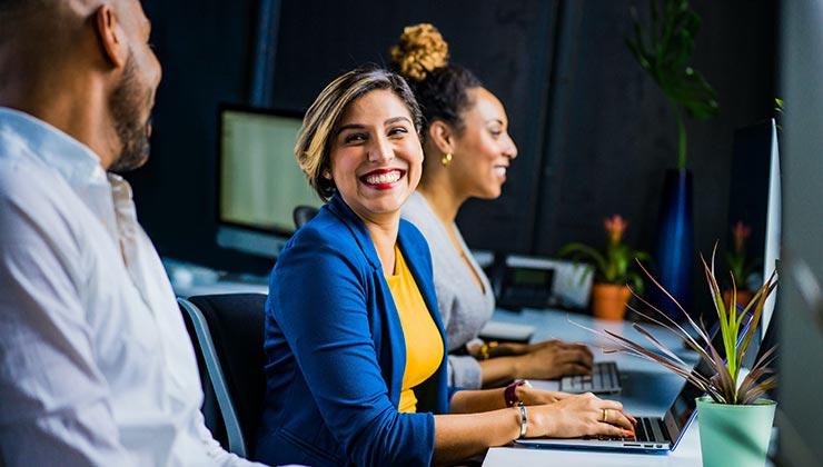 La equidad salarial entre hombres y mujeres es una meta hacia el 2030 (Foto de Jopwell - Pexels).