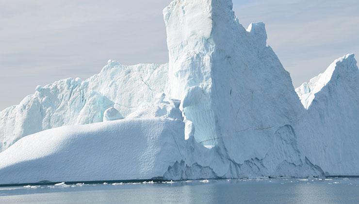 El ártico es una de las regiones de la Tierra que más se calienta (Foto de Roald Paaps - Pexels).