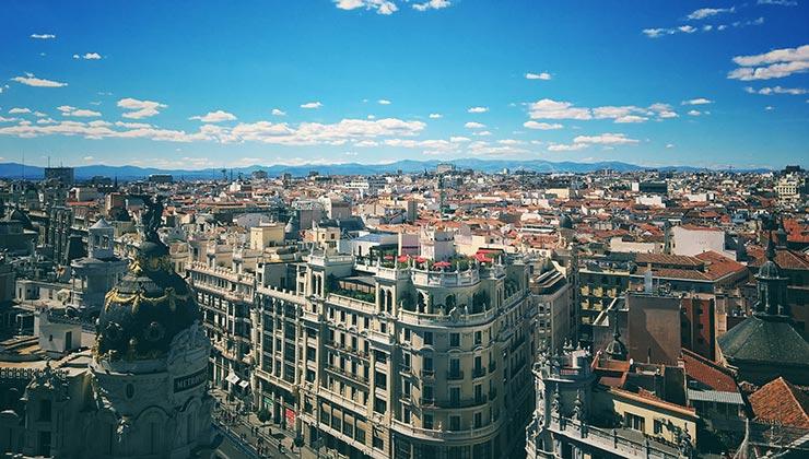Madrid es una de las ciudades europeas con mayor mortalidad asociada con la contaminación del aire (Foto de Abhishek Verma - Pexels).
