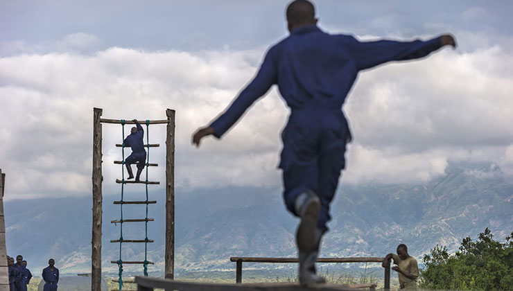 Los guardaparques reciben entrenamiento militar (Foto Parque Nacional Virunga).