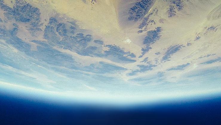 SCoPEx pretende determinar si se puede frenar el cambio climático atenuando el sol lanzando polvo a la atmósfera (Foto de Jaymantri).