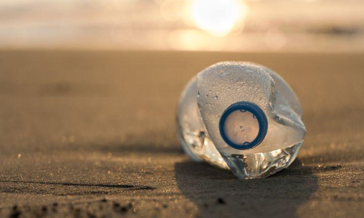El turismo es el principal responsable de la acumulación de residuos en las costas del mar Mediterráneo