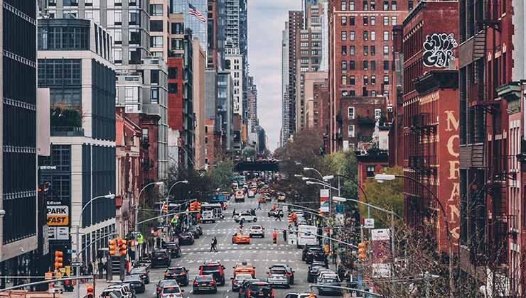En las ciudades se genera un efecto que se conoce como isla de calor (Foto de Craig Adderley - Pexels).