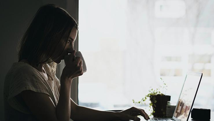 El sedentarismo es un mal hábito que degrada la salud de las personas (Foto de Burst - Pexels).