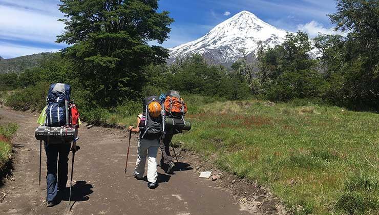 El volcán Lanin visto desde el inicio de senda hacia su cumbre (Foto de Juan Pablo Martínez).