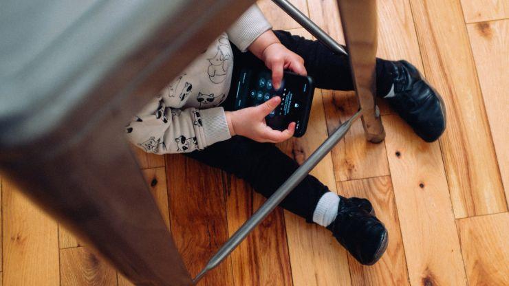 Consejos para mantener a tus hijos alejados de la pantalla del móvil