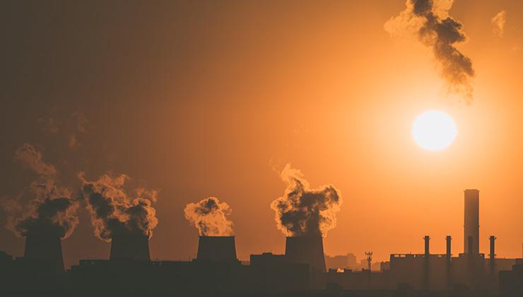 La contaminación de la atmósfera no disminuyó pese a la pandemia por coronavirus (Foto de Vitaly Vlasov - Pexels).