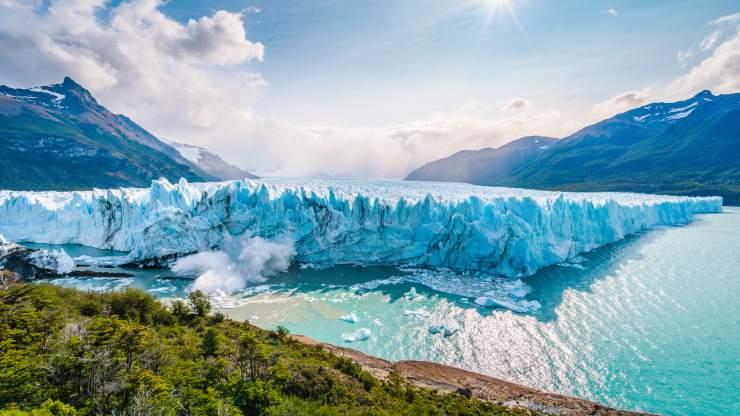 El Perito Moreno es uno de los pocos glaciares del planeta que crece