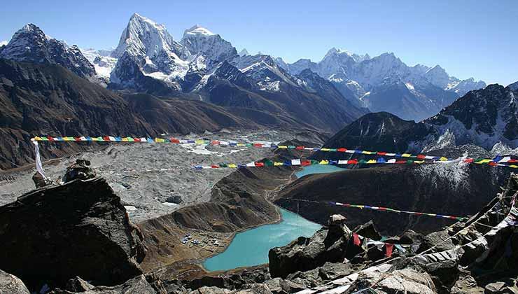La región del monte Anapurna, el río y el cañón Kali Gandaki en Nepal (Foto de Welcomenepal.com).