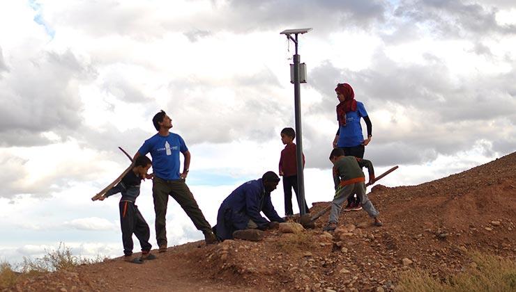 A través del desarrollo de Litro de Luz se fomenta el desarrollo de comunidades (Foto de Litro de Luz).