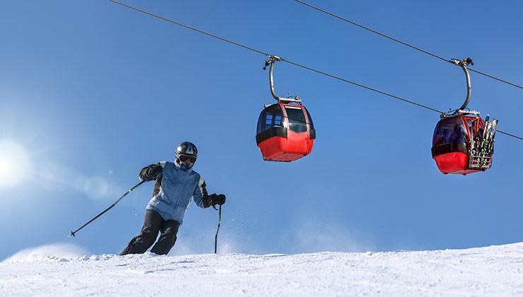 En los últimos 50 años disminuyó la cantidad de nieve acumulada en Los Alpes (Foto de PhotoMIX Company - Pexels).