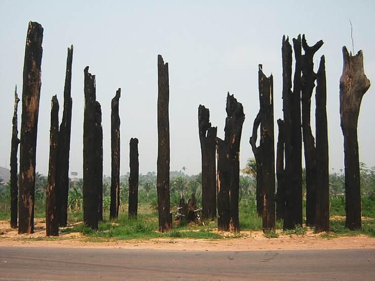 monumento en memoria de las víctimas de Eldorado