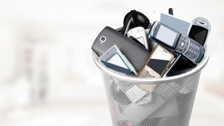 Qué hacer con tu móvil viejo para evitar que contamine