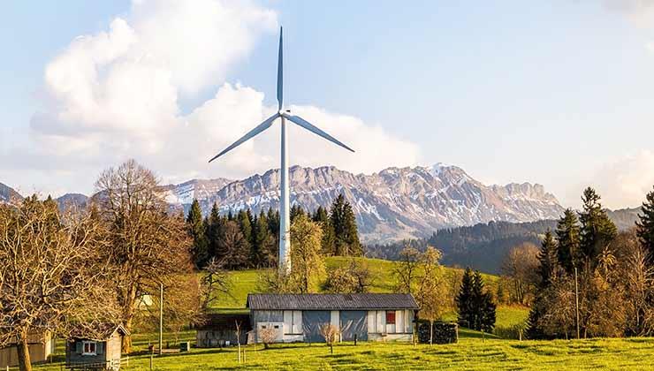 Los molinos que producen energía eólica provocan ruidos molestos y afean los paisajes (Foto de Pixabay - Pexels).