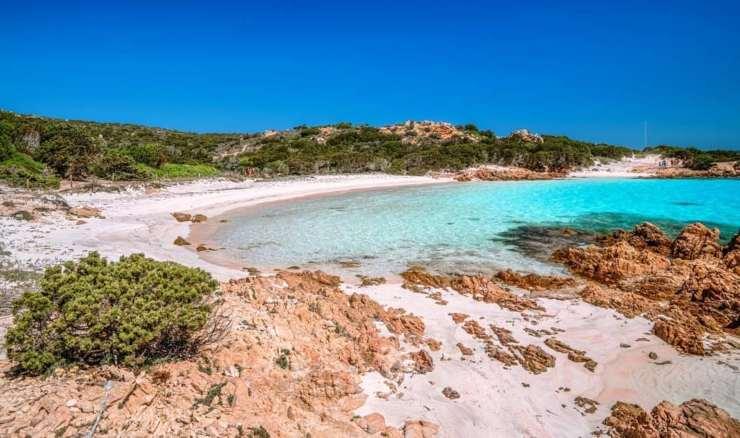 Playa Rosa en la Isla Budelli