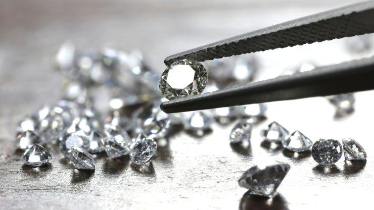 ¿Diamantes sostenibles?: Fabrican piedras preciosas con aire contaminado