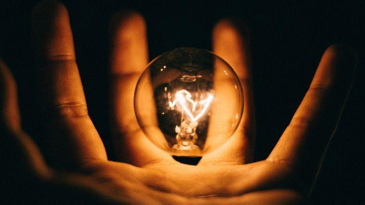 ¡Se hizo la luz! y hay un día internacional que destaca su beneficios