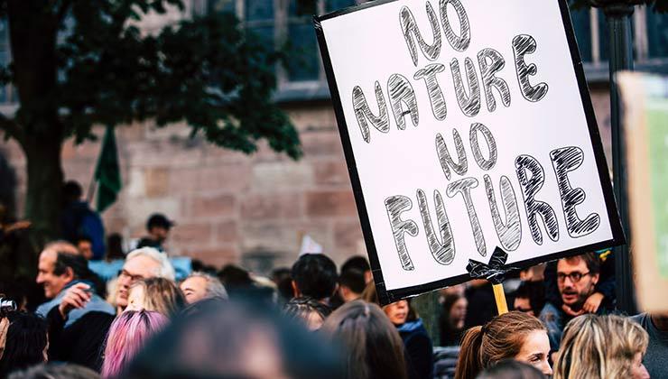 Los activistas necesitan una prensa libre para poder visibilizar sus reclamos (Foto de Markus Spiske - Pexels).