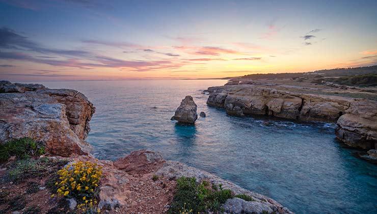 Menorca es uno de los sitios de España que tiene playas de Bandera Azul (Foto: Julia Chizhova - Pexels).