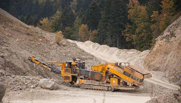 La extracción de minerales es elemental para la producción de energías limpias (Foto de Piotr Arnoldes - Pexels).