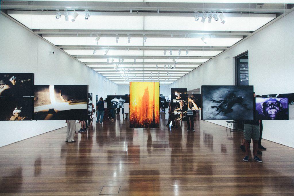 Las visititas a los museos son experiencias únicas. En pandemia, Google Arts and Culture puede acercarnos a estos espacios (Foto de Foto de Julio Nery - Pexels).