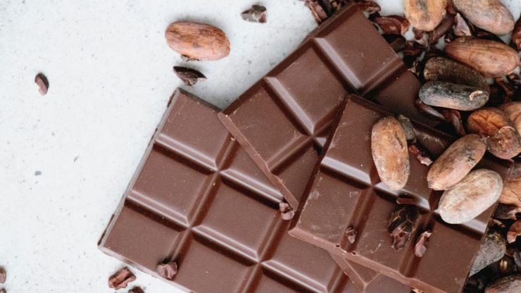 Por qué comer chocolate en exceso puede ser malo para la salud